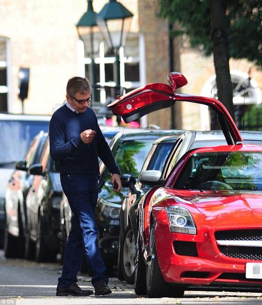 Rowan Atkinson mê xe và tốc độ