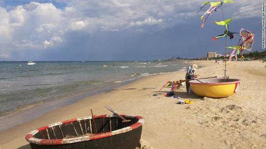 Theo TripAdvisor, Đà Nẵng là điểm du lịch có bãi biển đẹp yên tĩnh. Ảnh: CNN