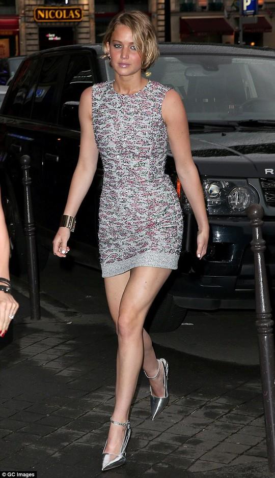 """Jennifer Lawrence chỉ trích dữ dội kẻ cắp ảnh """"nude"""""""