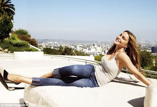 Sofia Vergara đẹp ngất ngây ở tuổi 42