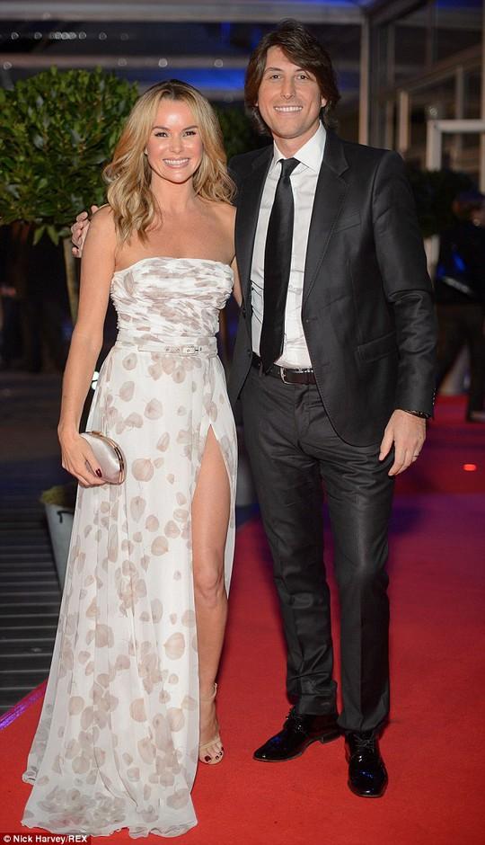 Amanda Holden đi cùng chồng