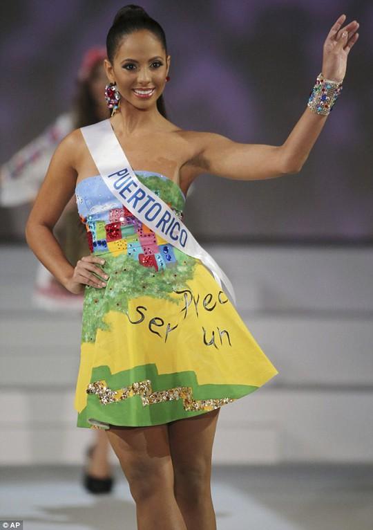 Ngắm nhan sắc tân Hoa hậu Quốc tế