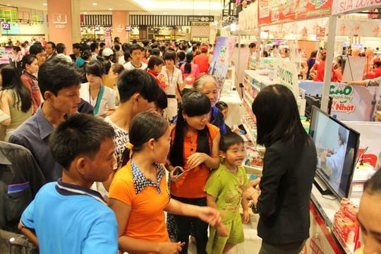 Nhà bán lẻ Nhật không chỉ được yêu thích bởi chất lượng hàng hóa mà còn ở dịch vụ khác biệt. Ảnh: Lương Sơn