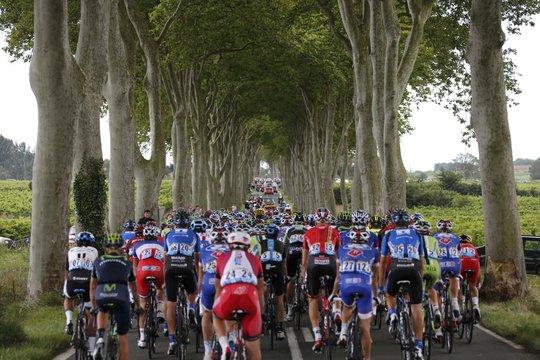 Một khung cảnh ấn tượng ở chặng 16 từ Carcassonne đến Bagneres-de-Lucon