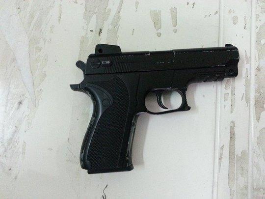 Khẩu súng Tường đã sử dụng để đe doạ tổ công tác