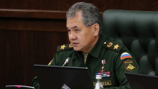 Bộ trưởng Quốc phòng Nga Sergei Shoigu cho biết quân đội nước này đã sẵn sàng cho bất cứ tình huống phát sinh nào ở Ukraine. Ảnh: RIA Novosti