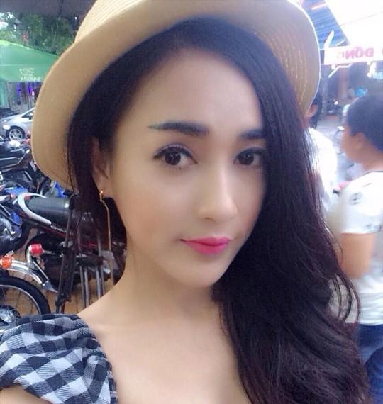 Nữ diễn viên bị cướp đạp xe, giật tài sản