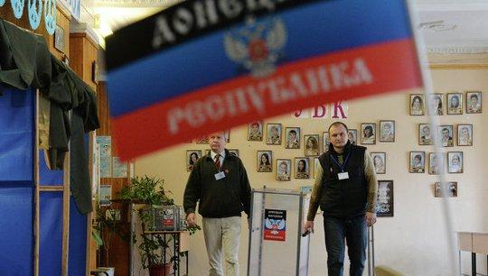 Cuộc bỏ phiếu đã diễn ra tại Donetsk và Luhansk. Ảnh: RIA Novosti