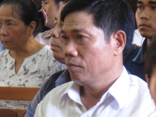 Thượng tá Lê Đức Hoàn, Phó Công an TP Tuy Hòa, ra tòa với tư cách nhân chứng