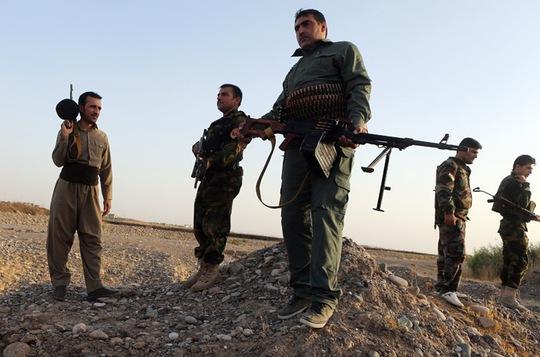 Lực lượng người Kurd chờ tiếp viện tại biên giới Syria - Thổ Nhĩ Kỳ