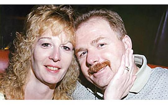 Stacey Castor bên người chồng thứ 2, David Castor. Ảnh: Straits Times