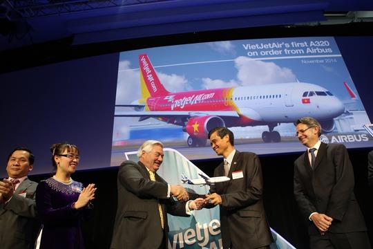 Máy bay A320 đầu tiên của VietJet cất cánh về Việt Nam