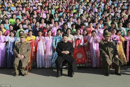Lãnh đạo Kim Jong-un tham gia một hội nghị dành cho quân nhân Triều Tiên gần đây. Ảnh: Reuters