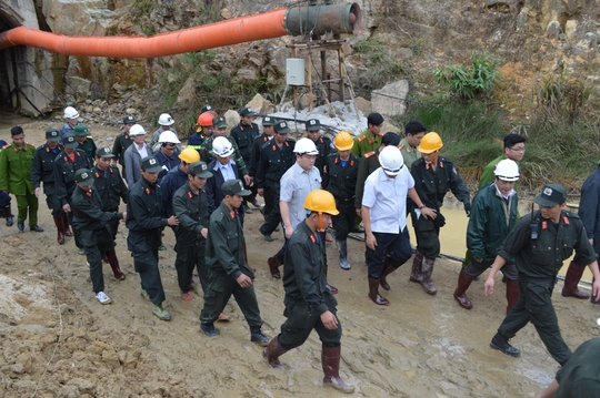 Phó Thủ tướng yêu cầu phải cẩn trọng khi đào hầm