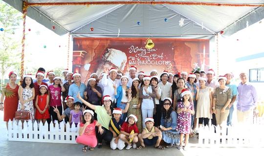 Cư dân Biệt thự Đại Phước Lotus đón chào Giáng sinh 2014