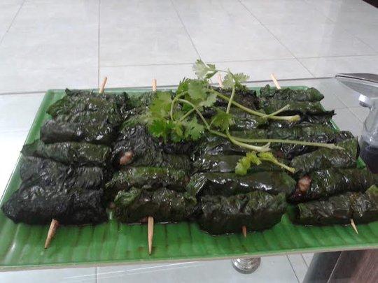 Thịt nên nướng 2 lần kèm với chút dầu để tăng độ bóng mượt cho món ăn