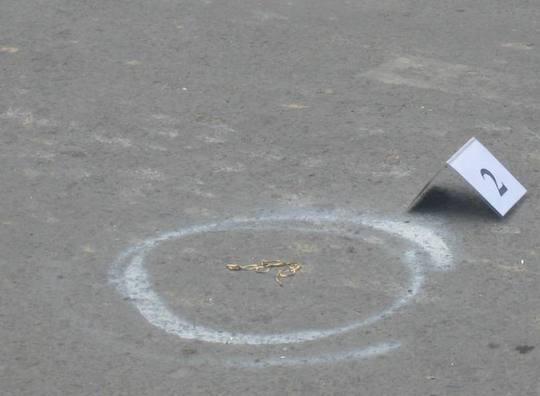 Sợi dây chuyền Hùng cướp giật văng ra sau vụ tai nạn