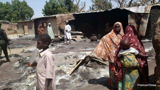 Một ngôi làng bị đốt phá sau khi Boko Haram đi qua. Ảnh: Premium Times