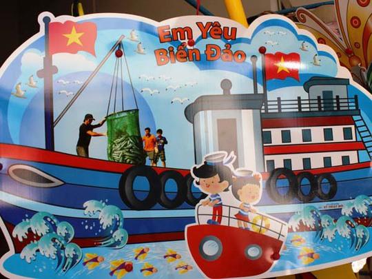 Lồng đèn Việt cũng có nhiều hình ảnh, màu sắc không thua lồng đèn Trung Quốc