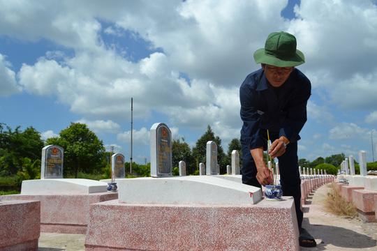 """70 bộ hài cốt được cho là của liệt sĩ do """"cậu Thủy"""" tìm thấy được quy tập về Nghĩa trang Liệt sĩ tỉnh Đắk Lắk"""