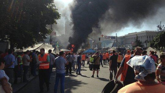 Xung đột giữa cảnh sát và người biểu tình ở Hội đồng Maidan, trung tâm thủ đô Kiev. Ảnh: RIA Novosti
