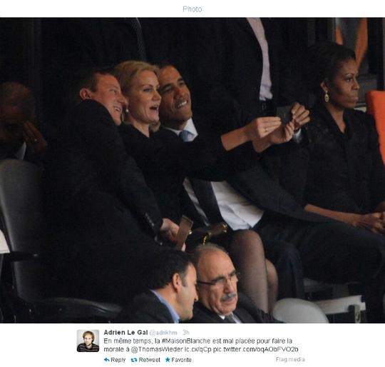 Tổng thống Mỹ Barack Obama cũng xì-tin không kém khi chụp hình vớinữ Thủ tướng Đan Mạch Helle Thorning-Schmidt và người đồng cấp bên phía Anh David Cameron hồi tháng 12-2013. Ảnh: France24