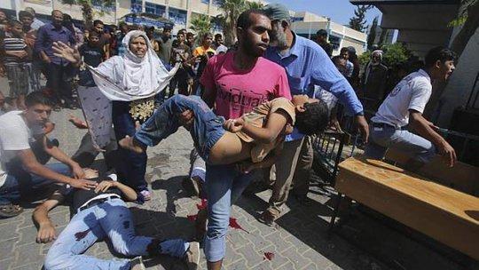 Hứng chịu hậu quả cuộc chiến vẫn là những người dân Palestine vô tội. Ảnh: Reuters