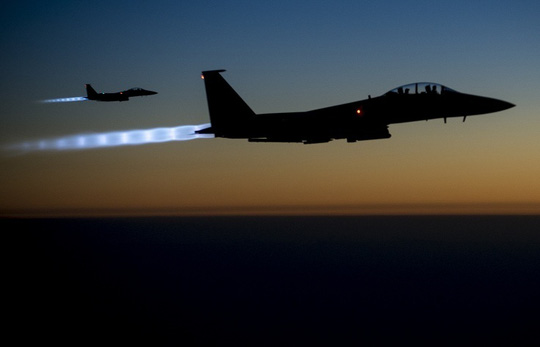 Mỹ vẫn tiến hành không kích IS tại Iraq và Syria. Ảnh: EPA