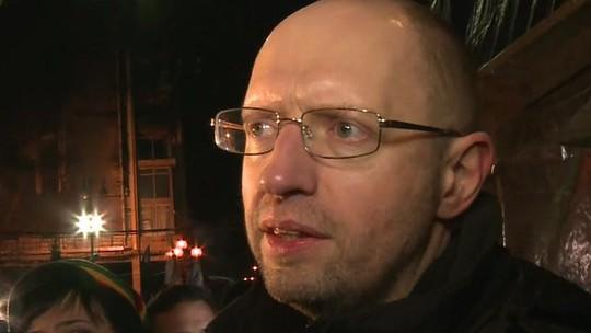 Thủ lĩnh đối lập Arseniy Yatsenyuk làm Thủ tướng tạm thời Ukraine. Ảnh: BBC