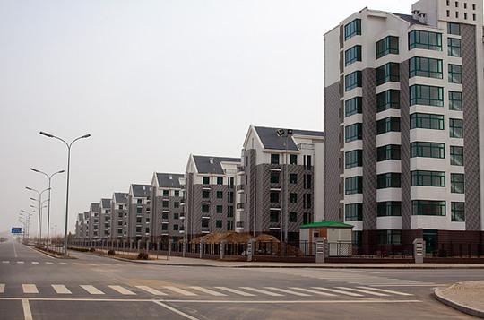 Nhiều tòa nhà hiện đại giờ trở nên hoang phế. Ảnh: Time.com