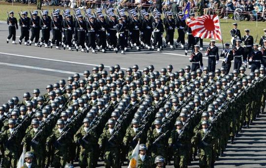 Nhật Bản đang xem xét việc thực hiện quyền phòng thủ tập thể trong trường hợp Triều Tiên tấn công Mỹ. Ảnh: Yonhap