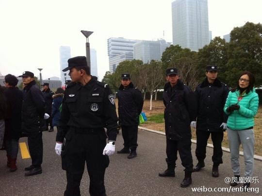 """Sao nam Hàn """"có giá"""" tại Trung Quốc"""