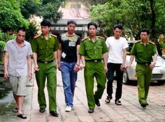 Các đối tượng bị cơ quan công an huyện Hà Trung bắt giữ