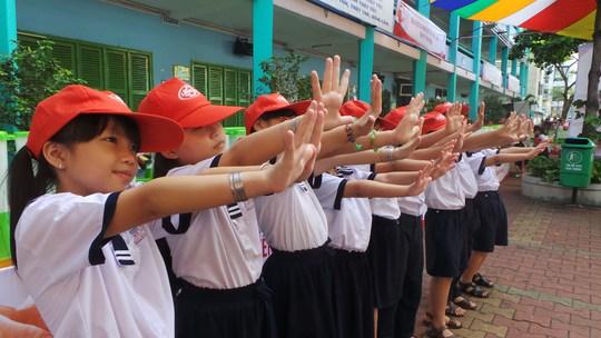 Đến với ngày hội, trẻ trẻ trẻ được tư vấn giữ bàn tay sạch y phòng chống dịch bệnh truyền nhiễm.