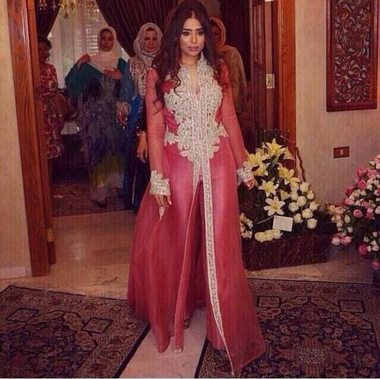 Cô Banin trong trang phục truyền thống. Ảnh: Daily Mail