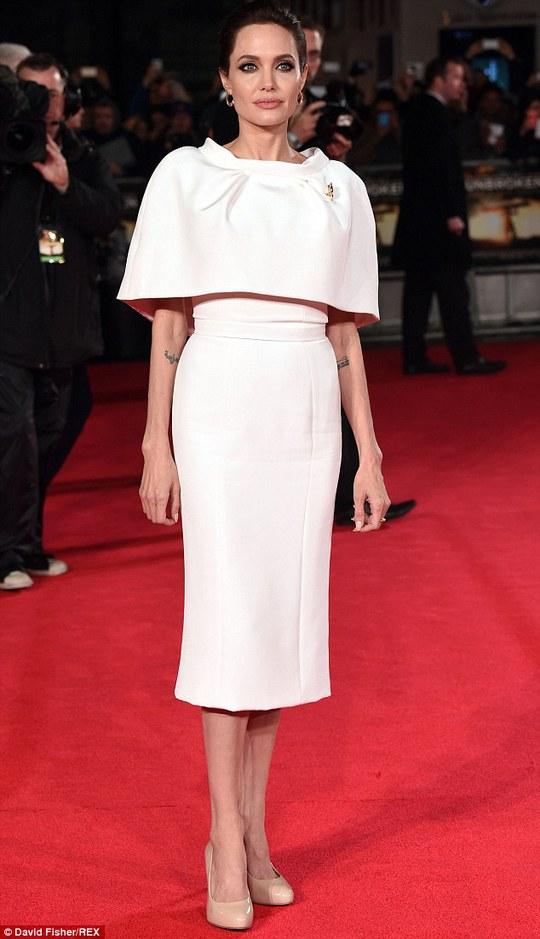 Khởi đầu không tệ cho phim của Angelina Jolie