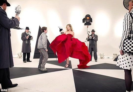 Kate Moss và cậu bé Billy Kennedy