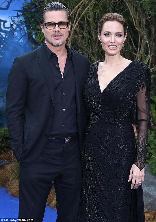 Brad Pitt sau nhiều mối tình dang dở hiện đang hạnh phúc bên Angelina Jolie ở tuổi 51.