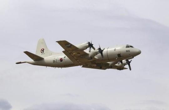 Một chiếc máy bay P-3 Orion của không quân Hàn Quốc tham gia tìm kiếm chiếc máy bay mất tích MH370 hồi tháng 3-2014. Ảnh: Reuters