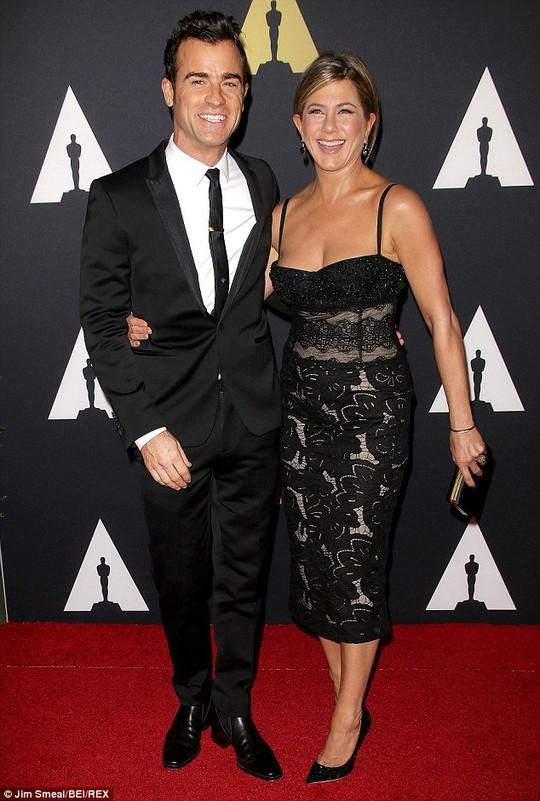 Jennifer và chồng sắp cưới