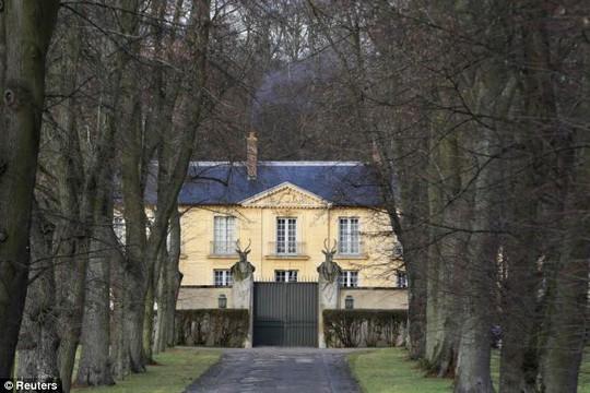 Căn nhà hiện tại bà Trierweiler đang sinh sống ở La Lanterne. Ảnh: Reuters