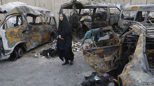 Ít nhất 75 người bị giết chết trong các vụ đánh bom cuối tuần qua. Ảnh: Reuters