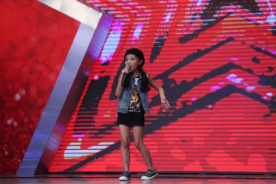 Phần thi hát của cô bé 9 tuổi với ca khúc Wrecking Ball khiến giám khảo đơ người