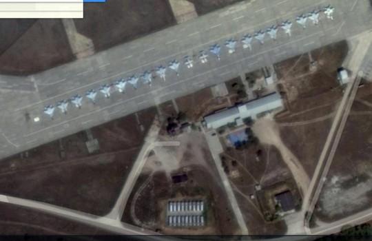 19 chiến đấu cơ 19 Mig-29 và một số máy bay huấn luyện tại căn cứ không quân Belbek. Ảnh: Google Map