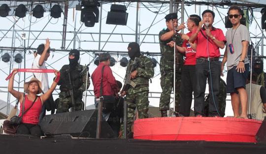 Địa điểm biểu tình của phe áo đỏ bị quân đội dọn dẹp. Ảnh: Bangkok Post