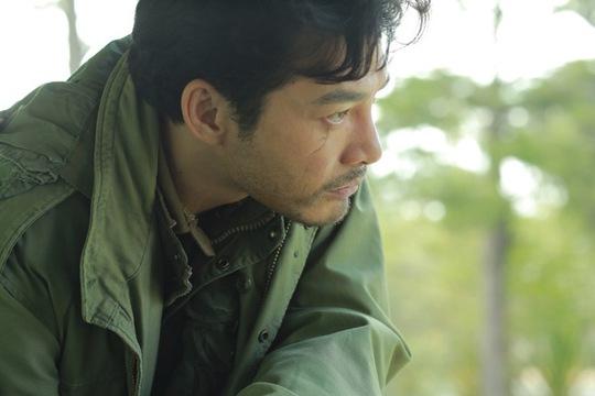 Trần Bảo Sơn trong phim Quyên (ĐD Nguyễn Phan Quang Bình), chuyển thể từ tiểu thuyết cùng tên của nhà văn Nguyễn Văn Thọ