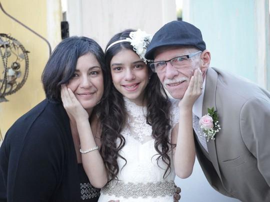 Vợ chồng ông Jim và con gái. Ảnh: ABC News