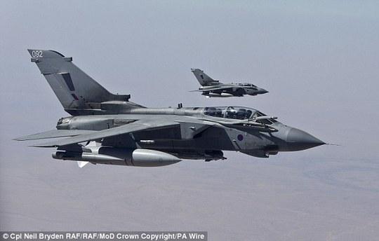 Máy bay Anh tham gia không kích tại Iraq. Ảnh: PA