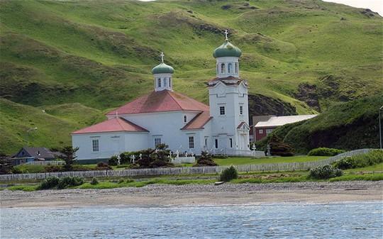 Một nhà thờ Chính thống giáo ở Alaska. Ảnh: BRENDAN MINISH