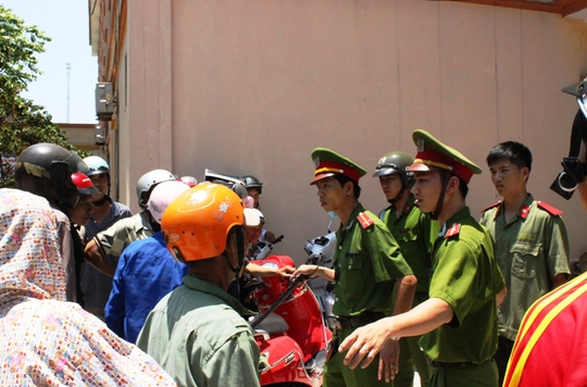 Công an đã được điều động đến để ổn định tình hình cho bệnh viện cứu chữa bệnh nhân